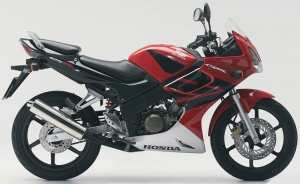 HONDA CBR 125R 2004-2006 RED BLACK WHITE